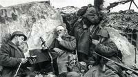 22 июня 1941 года Началась Великая Отечественная Война  - bojtsy-sovetskoj-pehoty-na-pozitsii-1941-g.jpg
