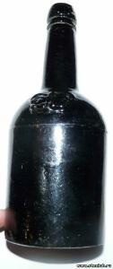 Бутылка с синего стекла с короной - 0115895.jpg