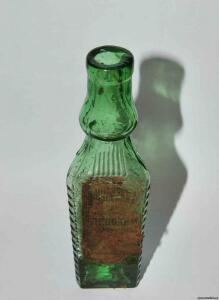 бутылки из под уксуса и эссенции. треугольной формы  - 9704609.jpg
