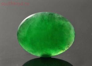 Самые дорогие драгоценные камни в мире - 3 Жадеит (империал) фото.jpg