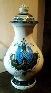 Неопознанная керамическая ваза с крышкой - 4500153.jpg