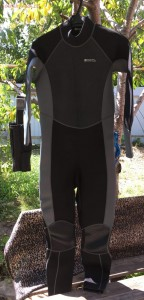 [Продам] Неопреновый костюмчег mauntain warehouse 2-3 мм - IMG_0826.JPG