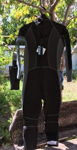[Продам] Неопреновый костюмчег mauntain warehouse 2-3 мм - IMG_0833.JPG