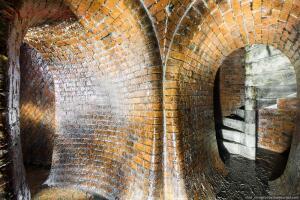 Подземные ходы под Каменском. - 5 Винтовая лестница на поверхность.jpg