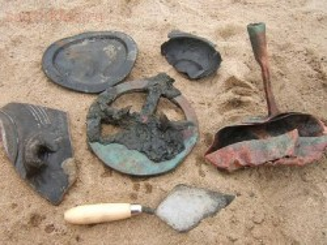 В пустыне Намибии нашли древний галеон набитый золотом - 3509479400000578-0-image-a-15_1465344574599.jpg