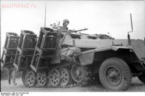 Часть бронетехники - Bundesarchiv_Bild_101I-216-0417-09,_Russland,_schwerer_Wurfrahmen_an_Schützenpanzer.jpg