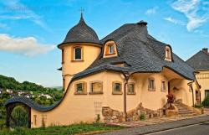 Есть ли в Ростовской области гениально-сумашедший архитектор? - 0_9c73f_7be8ac94_orig.jpg