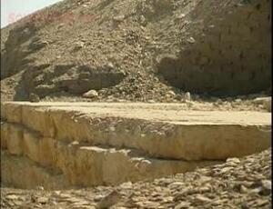 Кто построил египетские пирамиды ? - m_e_13.jpg