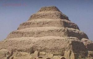 Кто построил египетские пирамиды ? - m_e_1.jpg