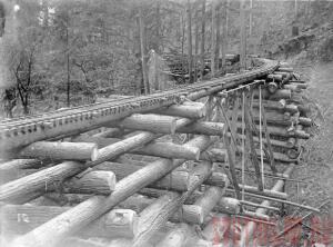 Железнодорожные мосты из бревен - 9CFQ5omPs1w.jpg