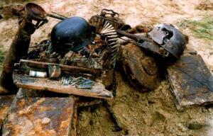 Пропавшие солдаты вермахта - Синявино  сентябрь 1998г.jpg
