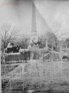 Старые фотографии поселок Глубокий - Поселок Глубокий, памятник в парке Островского.jpg