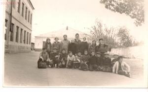 Старые фотографии поселок Глубокий - Двор глубокинской школы № 1.jpg