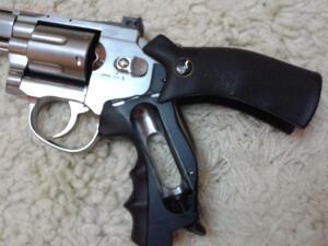 Продам пневматический револьверDan Wesson. - PS_ED038676-7123-418B-B378-E63BA82D4633-min.JPG