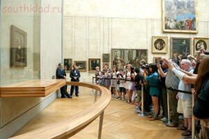 Законно ли взимать в музее плату за фотосъёмку? - mona-lisa-crowd.jpg