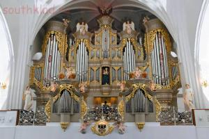орган собора - cath01.jpg