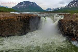 5 самых высоких водопадов России. - 1-Ycb9KbyTYfk.jpg