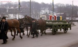 Катафалк - Horse_drawn_casket_queen_louise_mountbatten_of_sweden.jpg
