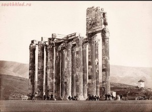 История старого снимка или как монахи на храм Зевса Олимпийского залезли - 1.jpg