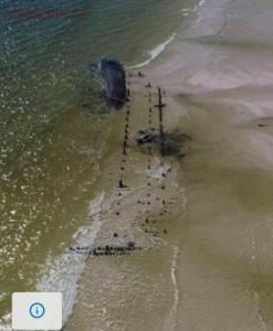 Ураган Майкл вынес на берег старые затонувшие корабли - 1540923590194845300.jpg