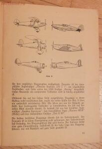 Библиотека лётчика. Немецкий справочник Das Erkennen von Flugzeugen Обнаружение самолётов  - DSCF6148.JPG