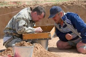В Астраханской области нашли золотой клад сарматского вождя - 2-FhsL3kFkuVM.jpg