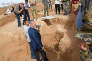 В Астраханской области нашли золотой клад сарматского вождя - 3-b8GFBGEMNZs.jpg