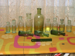 Аптечная посуда зеленого стекла - 5634242.jpg