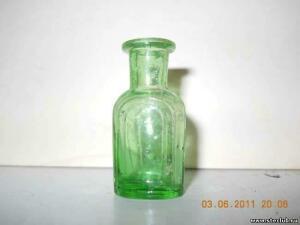 Аптечная посуда зеленого стекла - 8740533.jpg