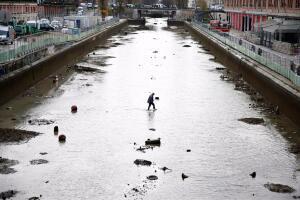 В Париже осушили канал Сен-Мартен - 11.jpg