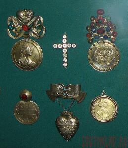 Помогите оценить  - 517px-ВП_Дукачи_наперсные_18-19_век_Малороссия.jpg
