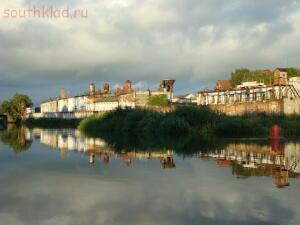 Вид с реки Преголя,замок Тапиау-ныне ИТК строгого режима...Из нее еще никто не убежал. - Гвардейс с прегеля.jpg
