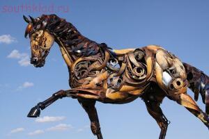 Скульптуры из металлолома. - fbU2Wga50V4.jpg