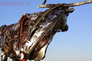 Скульптуры из металлолома. - sgXoZhVs8WA.jpg