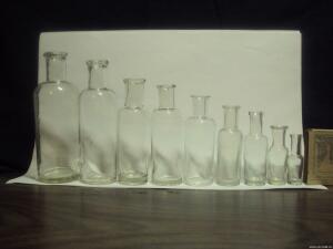 Аптечная посуда белого прозрачного стекла. - 8073013.jpg