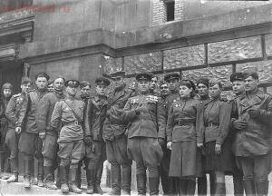 Однополчане 88-го отдельного тяжелого танкового полка у стены Рейхстага.jpg Источник: http: forum ?mode=reply amp;f=160 amp;t=5301 ixzz3ZTmYbZkL - Однополчане 88-го отдельного тяжелого танкового полка у стены Рейхстага.jpg