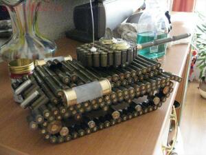 Поделки из патронов и гильз - гильзотанк.jpg