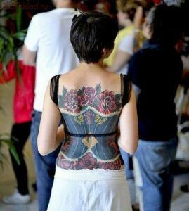 Реалистичные ТАТУ - спина..........jpg