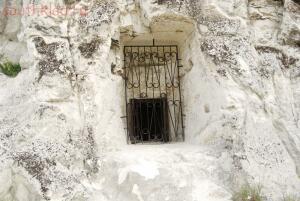 Окно второго этажа храма. Чуть в стороне от входа на первом фото его не видно . - DSC_0121.jpg