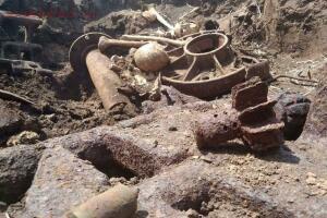 Ростовские поисковики обнаружили останки танкового экипажа - 4ef0a9e5c9607d6e23ad5613d1af2ee35c318b344747428.jpg