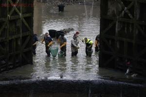В Париже осушили канал Сен-Мартен - 3_019.jpg