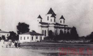 Церковь на площади - Церковь на площади.jpg