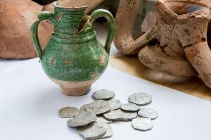Клад серебряных монет,найден при строительстве дороги на Крым - arh_6.jpg