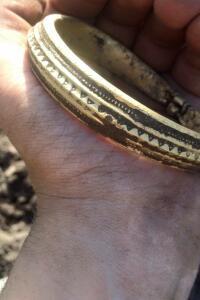 В Дании нашли крупнейший в истории золотой клад викингов - ClD3RkoUkAA5QaQ.jpg