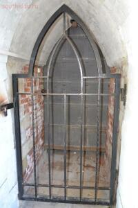 Один из нескольких сохранившихся древних ходов в сторожевые башни мостов - 12.jpg