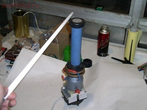 Катушка Тесла из хозяйственных материалов - g18vGj4hAKs.jpg