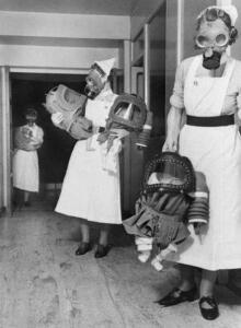 Необычные фотографии Второй Мировой - hU3-OJmYM4Q.jpg